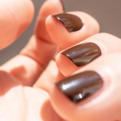 10- CHOCOLAT vernis coloré...